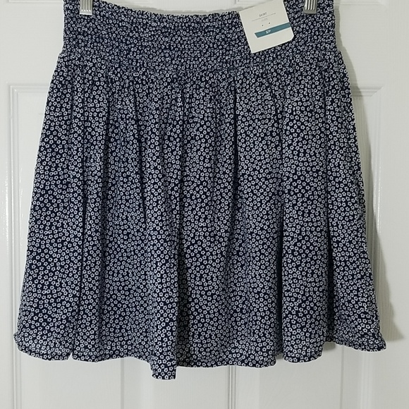 Old Navy Dresses & Skirts - Old Navy Floral Skirt